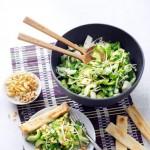 Knapperige Thaise salade met rijstazijn